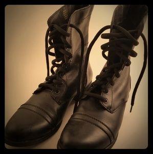 Steve Madden black leather combat boots size 10